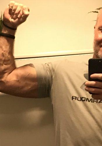 Efter to ugers sygdom måler jeg status på arme